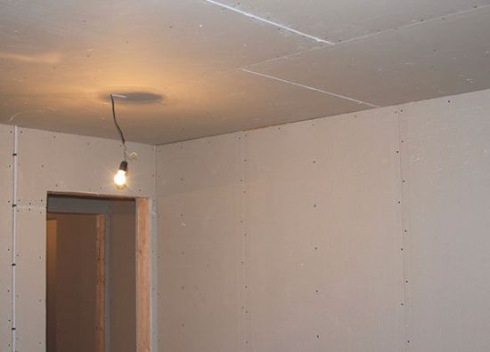 Как сделать потолок ровный